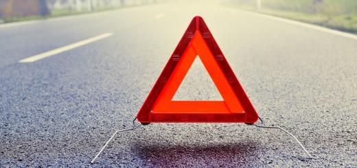 cómo colocar triángulo en carretera