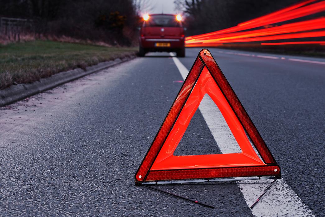 señales virtuales en la carretera triángulo