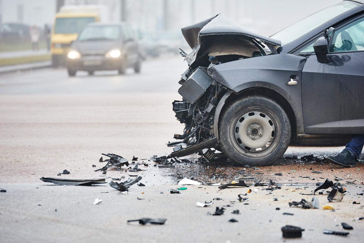 Vehículo u objetos en mitad de la vía accidentes