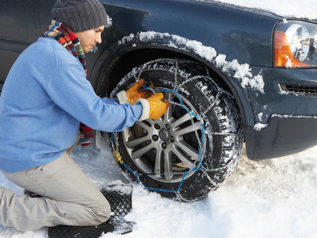 como y cuando poner cadenas a las ruedas con nieve y hielo