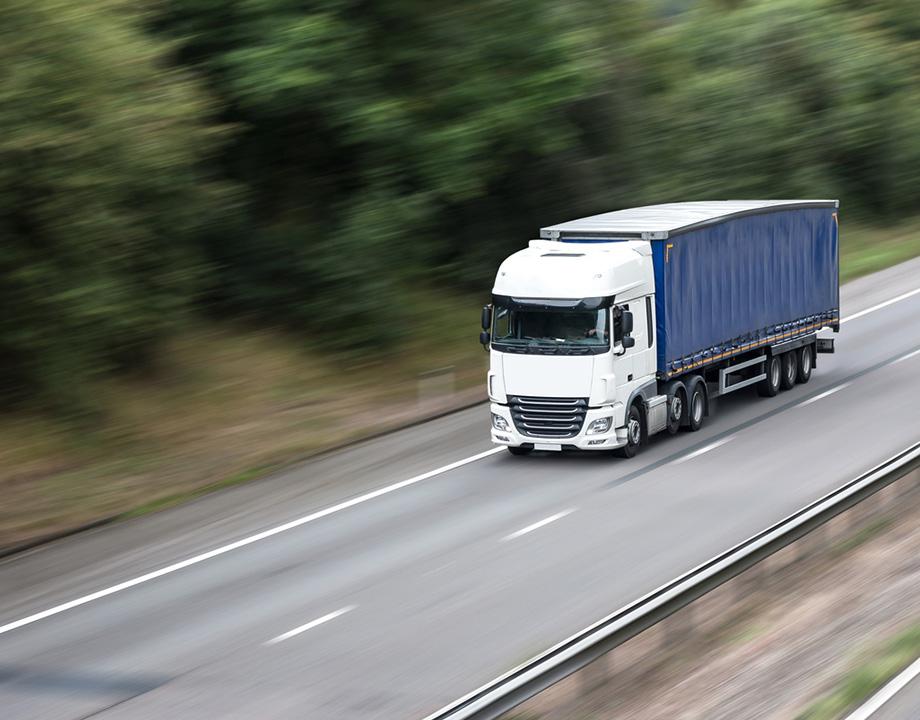 camion velocidad maxima generica especifica adelantar