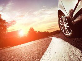 estrecho-carretera-preferencia