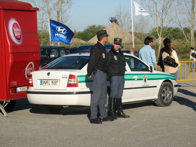 policia-portuguesa-viaje
